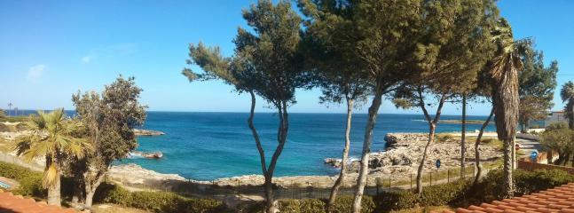 Vista panoramica del mare dalla casa vacanza