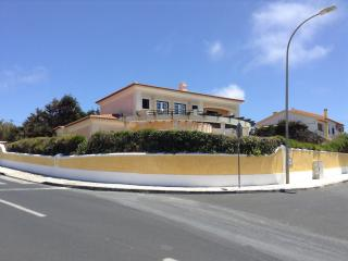 Villa, 150m to the sea, mountains, Sintra, Lisbon