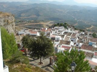 Casa Resolana, white village house, stunning views, Olvera