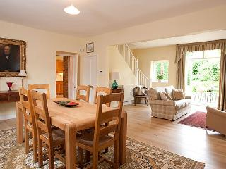 Open plan main living / dining room