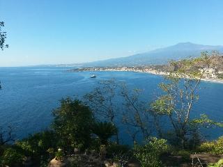 'Taormina beach panoramic sea bivano 5PL' 'Taormina mare bivano 5pl sulla spiaggia panoramico'
