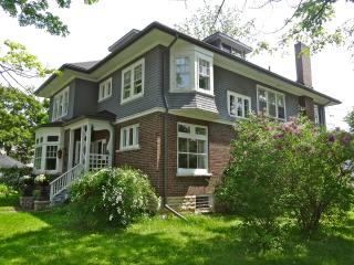 The Captain's House, heritage bed and breakfast