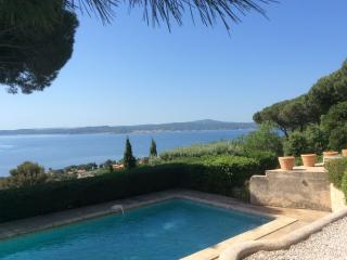 Amazing Frech Riviera villa with private pool, garden and St Tropez view, sleeps 7, Ste-Maxime
