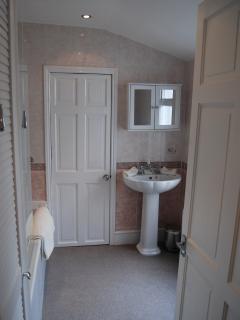 good sized family bathroom