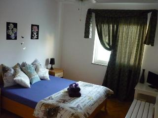 Room for 2 in Novalja center,AirCon+free WiFi S.1.