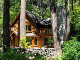 "BURNT MILL CANYON COTTAGE, ROMANTIC ""JUST FOR 2"", Lake Arrowhead"