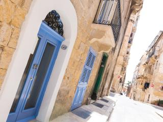 Traditional Townhouse (2-bedrooms) (KB), Valletta