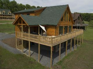 Stunning newly built log home on Fantasy Valley Golf Course