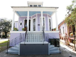 Historic Home in Nice Area!, New Orleans
