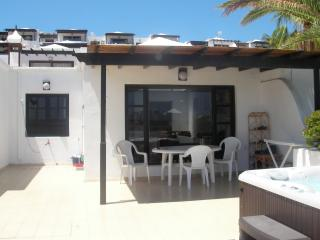 29 Lago Verde, Hot tub, Large Terrace, twin bed, Puerto del Carmen