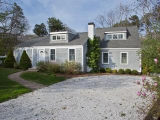 114 Long Pond Rd, Marstons Mills