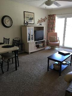 Family Room nicely set! We provide beach chairs, pool noodles, rolling cooler, sand toys too!