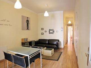 Great flat in BCN with 3 double rooms, Barcelona