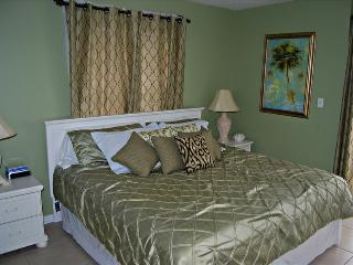 Surfside Shores 2201 -289690 Awesome Gulf Front 3 Bedroom! Can't Beat Price and Location, Gulf Shores