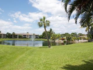 Beautiful 2 Bedroom Condo Near Sanibel Island, Fort Myers