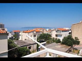 35156 A1(4+1) - Makarska