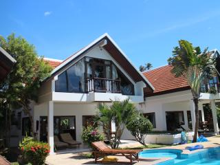 Laemsor Residence Villa's - 2 bedroom, beachfront, Surat Thani