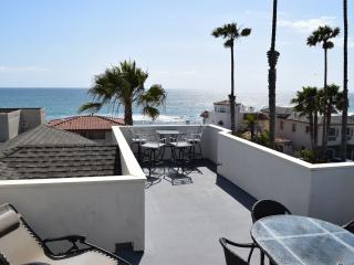 Rooftop Deck with Amazing Views! 3,000² ft Beach Home!! on Pacific Street