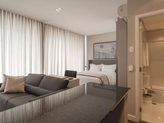 Sleek & Subtle 1 Bedroom Apartment in Vila Olimpia, Sao Paulo
