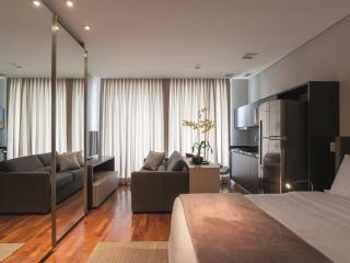 Modern 1 Bedroom Apartment in the Heart of Vila Olimpia, São Paulo