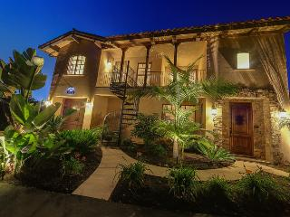 Solana Beach Tuscan Villa on golf course