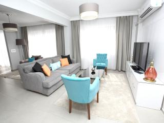 ★PATIKA SUITES ★ Large Luxury 1 Bedroom Apartment