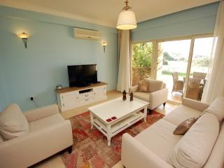 Fabulous holiday apartment in North Cyprus, Ayios Amvrosios