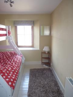 Dove Cottage, Anstruther - triple bedroom