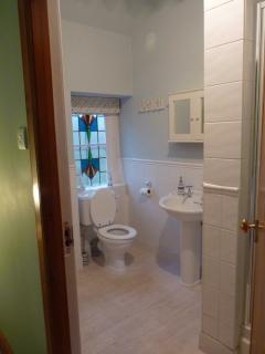 Dove Cottage, Anstruther - Master bedroom en suite