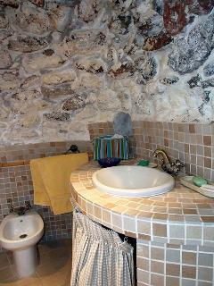 Washbasin in 'Cave'.