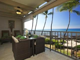 Second Floor Condo #215 with Lots of Updating and A/C!!, Kailua-Kona