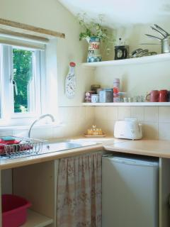 Small but perfectly formed and well equipped kitchen - cook up a feast!
