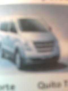 Furgoneta de una amiga para los transfers es Hyundai H1  20us día 25us, Areopuerto Q. Q Areopuert
