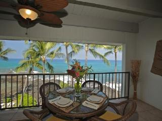 4th Floor Oceanfront Condo #422 with Awesome View!, Kailua-Kona