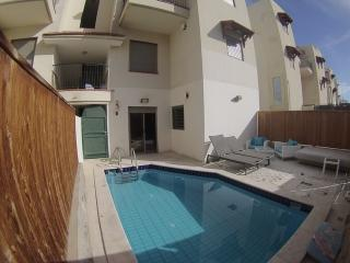 3-room apartment with a private pool, Eilat
