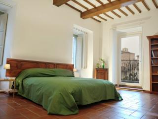 Magnifico appartamento nella piazza principale di Assisi, Asís