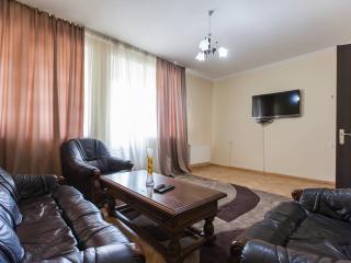 Luxury 2BRs Apartment close Rustaveli Avenue, Tiflis