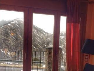 Apto vista magnifica, terraza, soleado, tranquilo., Canillo