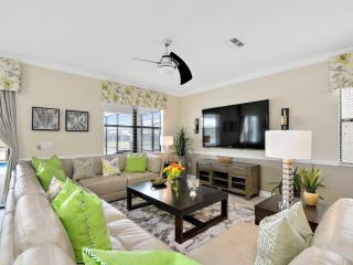 Lovely 8BR 5Bth Champions Gate Home with Pool, Spa and Theater and Games Rooms