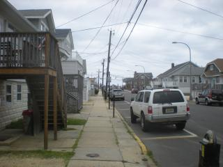 Seaside Heights Apt1 downstairs 1/2 block to beach