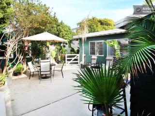 (ST1) Big 2.5br/2ba by beach w/ patio!, San Diego