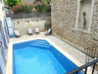 Belle maison, piscine, calme, 6-8pers, Oupia