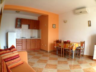 Apartment near center in Novalja
