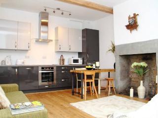 Sharp Cottage, Almondbury, Huddersfield