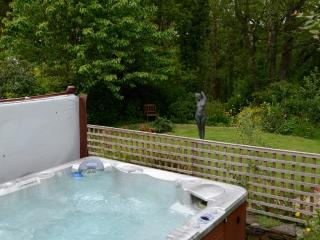 2000 Litre Hot Tub