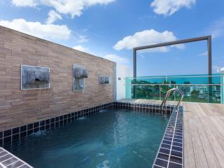3 BR Penthouse (503) with private roof top pool and sea view