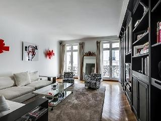 Champs Elysees - Franklin D Roosevelt 3 bed 2 bath
