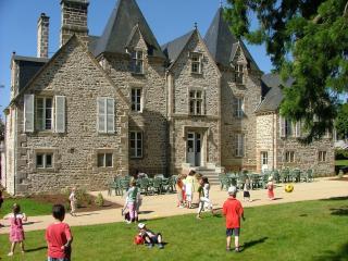 Château du Bourg, St Denis de Gastines