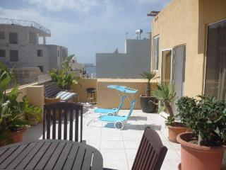 Penthouse with Sea Views Central, San Pawl il-Baħar (St. Paul's Bay)