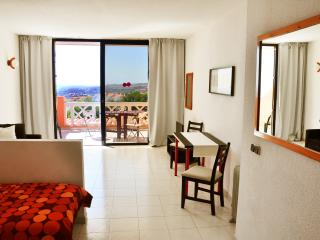 Studio apartment with fantastic sea view, Costa Adeje